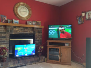 2016 is also awesome because my parents bought a second TV just for the Olympics. Here, I was watching diving and tennis simultaneously. It was beautiful.